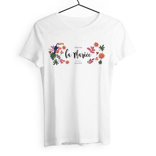 Tshirt c'est moi la mariée pour enterrement de vie de jeune fille. Design exotique personnalisé.