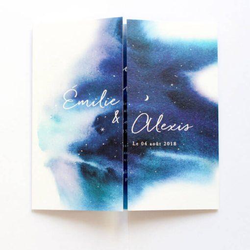 Livret invitation de mariage sur fond de ciel étoilé. Aquarelle et écriture manuscrite pour un faire part de mariage doux et romantique.