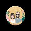 Magnet save the date mariage. Badge aimanté save the date avec dessin des mariés. Lunettes de soleil en forme de coeur