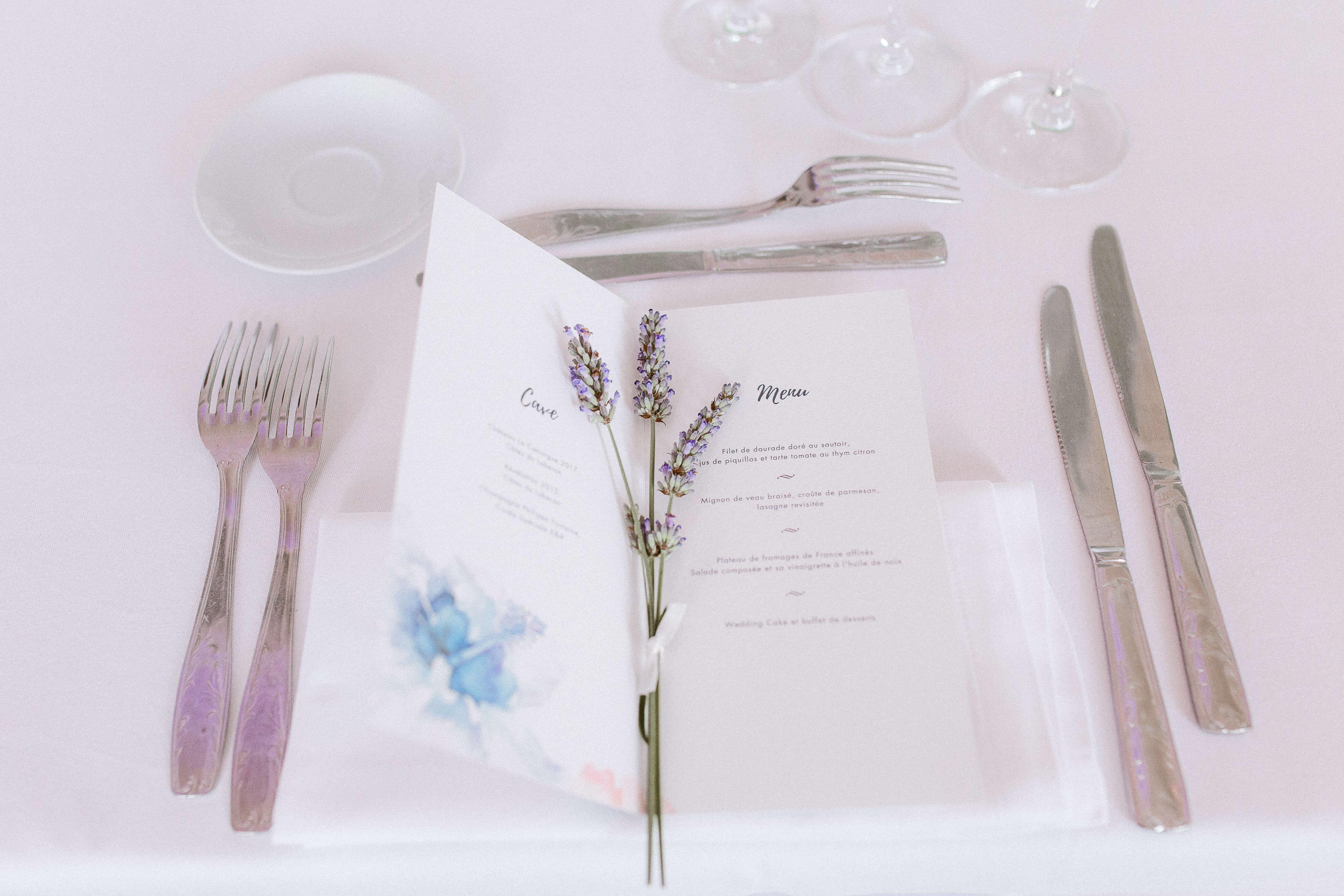 menu mariage aquarelle et lavande - déco mariage provencal