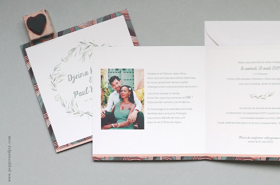 faire-part mariage sur mesure avec tissu wax et photo de couple