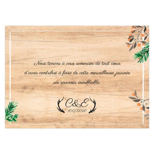 Carte de remerciements mariage dans les bois, fond bois et décoration de pin et fleurs; Mariage nature et romantique