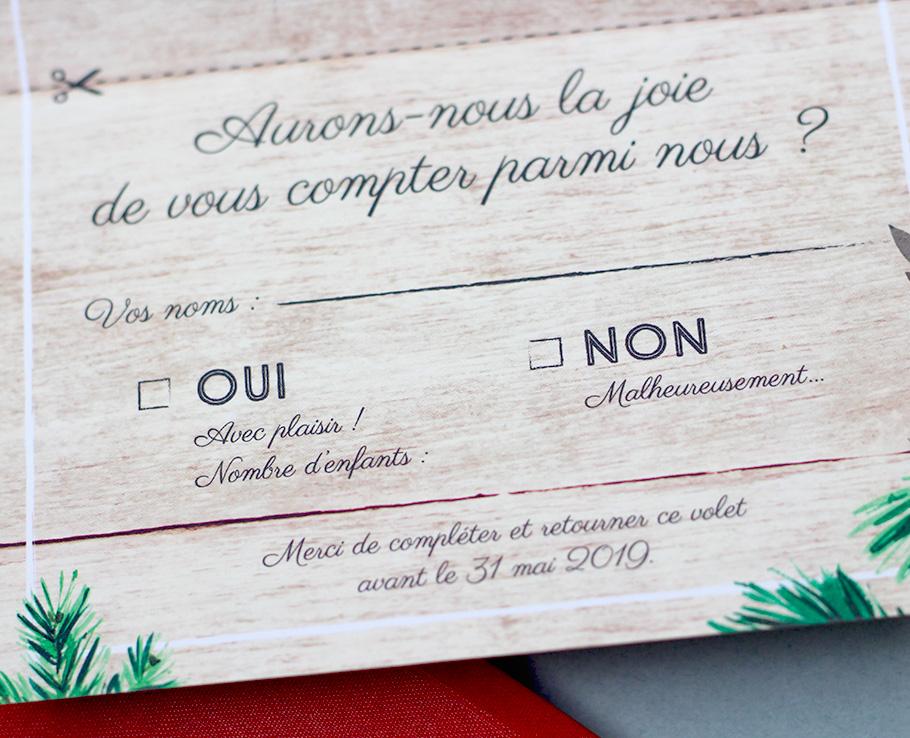 carton réponse mariage sur fond bois