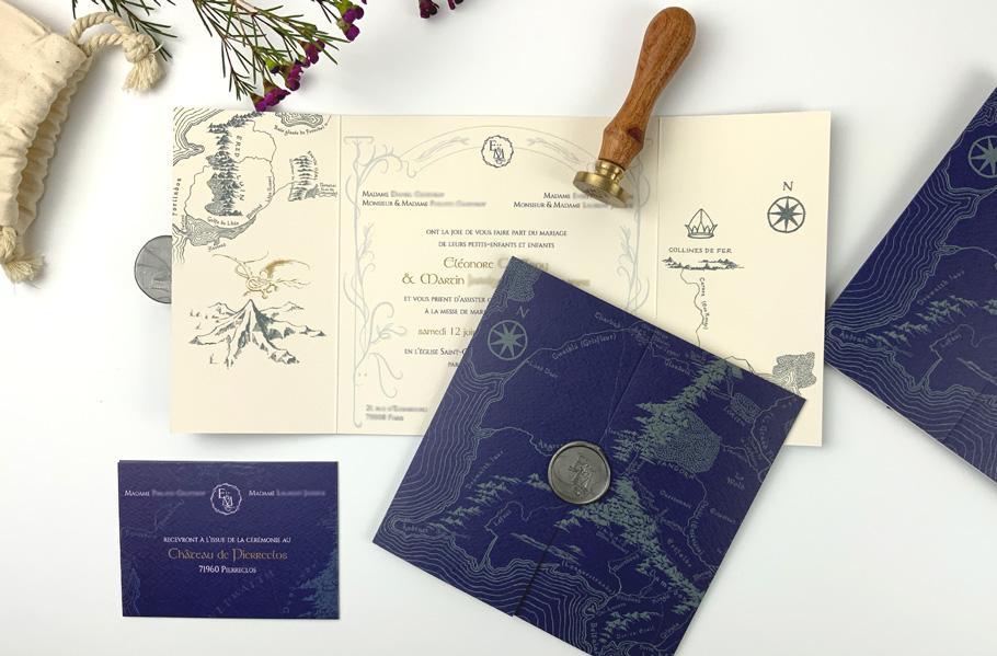 Invitation mariage Tolkien, seigneur des anneaux. parchemin fond bleu foncé.